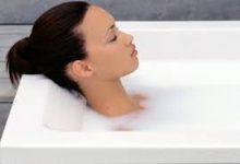 Καθαρίστε τη μπανιέρα χωρίς απορρυπαντικό