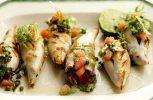 Καλαμαράκια γεμιστά με μυρωδικά στον φούρνο