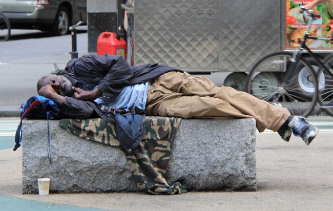 Έξι άστεγοι νεκροί στη Βαρσοβία όταν στο πρόχειρο κατάλυμά τους εκδηλώθηκε φωτιά