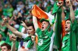 Ιρλανδοί οπαδοί νανουρίζουν μωρό!