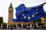 Παράταση στη μεταβατική περίοδο του Brexit φαίνεται να επιδιώκει το Λονδίνο