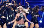 Η Britney Spears έχασε το σουτιέν της κατά τη διάρκεια συναυλίας