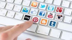 Ειδικοί προειδοποιούν ότι τα social media κάνουν τα παιδιά ψεύτες