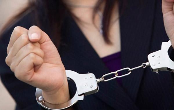 Σύλληψη 52χρονης στην Πάφο για αδικήματα που διαπράχθηκαν στην Ρωσία