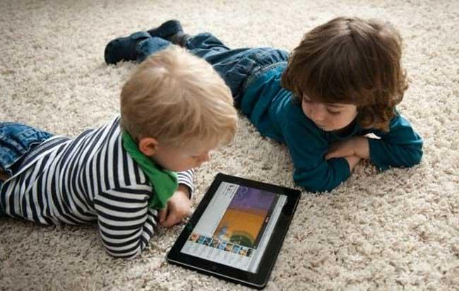 Η χρήση συσκευών με οθόνη δεν έχει τελικά τόσο μεγάλη σημασία για την ψυχική υγεία των νέων