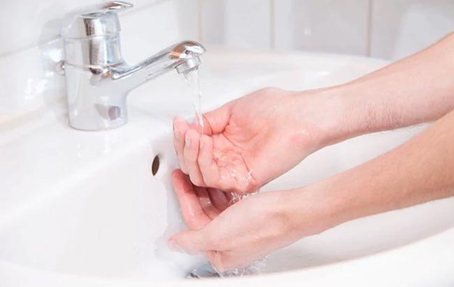 Προβλήματα στις μονάδες αφαλάτωσης Λάρνακας περιορίζουν την παροχή νερού στο ΣΥΛ