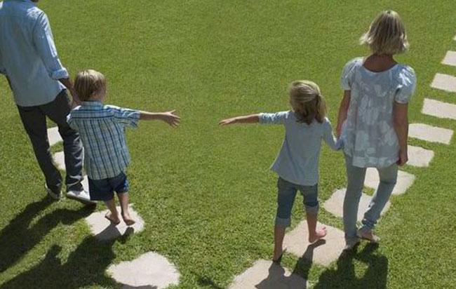 Όταν οι γονείς χωρίζουν τα παιδιά 7 – 14 ετών έχουν τα περισσότερα ψυχολογικά προβλήματα