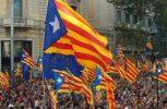 Χιλιάδες διαδηλωτές βγήκαν στους δρόμους της Καταλονίας