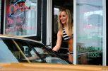 ΗΠΑ: Σερβιτόρες τάσσονται υπέρ του στριπτίζ!