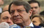 Ο Πρόεδρος ενημερώνει τη Δευτέρα Παπαδόπουλο-Σιζόπουλο για δείπνο, ακολουθούν και άλλοι πολιτικοί αρχηγοί
