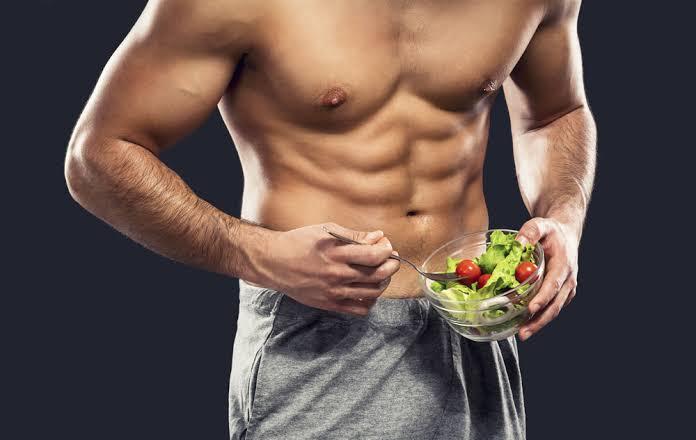 Τι πρέπει να τρώνε οι άντρες για να χάσουν βάρος;