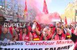 Παρίσι: Βίαιες συγκρούσεις σε διαδηλώσεις κατά του Μακρόν