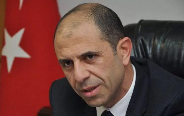 Οι δύο πλευρές να προχωρήσουν σε συνεργασία χωρίς λύση, προτείνει ο Οζερσάι