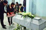 Ο γιος τους εμφανίστηκε ολοζώντανος στην… κηδεία του την ώρα της αγρυπνίας