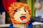 Ο Εντ Σίραν έφτιαξε ομοίωμα του κεφαλιού του από lego