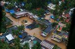 Στους 370 οι νεκροί από τις πλημμύρες στην Ινδία