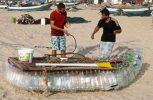 Γάζα: 35χρονος ψαρεύει με την αυτοσχέδια βάρκα του και συντηρεί την οικογένειά του