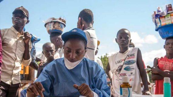 ΛΔ Κονγκό: Ξεπέρασαν τους 400 οι νεκροί της δέκατης επιδημίας του ιού Έμπολα