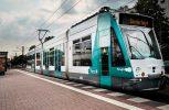 Αρχισε δοκιμαστικά δρομολόγια το πρώτο τραμ παγκοσμίως χωρίς οδηγό