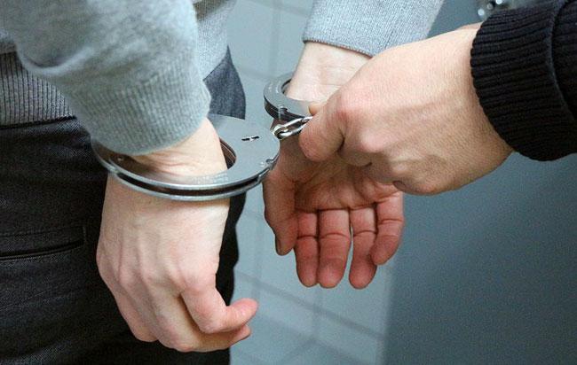 Συνελήφθη 22χρονος για κατοχή επιθετικών οργάνων και μαχαιροφορία