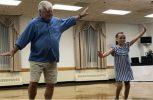 Χόρεψαν παππούς-εγγονή κι εντυπωσίασαν