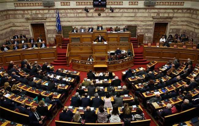 Απειλές καταγγέλλουν ότι δέχονται βουλευτές για να μην ψηφίσουν τη Συμφωνία των Πρεσπών