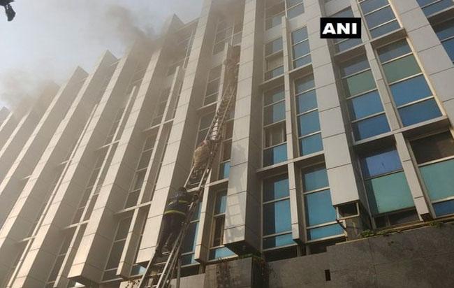 Ινδία: 6 νεκροί και 100 τραυματίες από πυρκαγιά που ξέσπασε σε νοσοκομείο