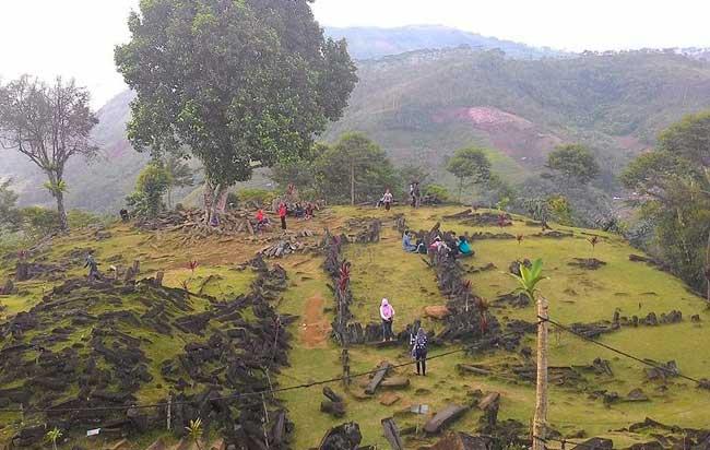 Τεράστια «πυραμίδα» 10.000 ετών ανακαλύφθηκε στην Ινδονησία