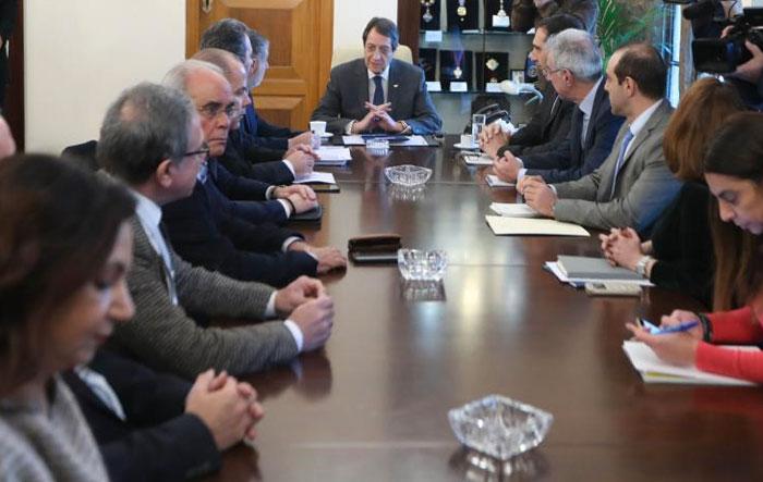 Συνεχίζεται στο Προεδρικό η συζήτηση με τον ΠΙΣ για το ΓεΣΥ