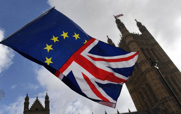 Απόψε η «ιστορική» ψηφοφορία για τη συμφωνία του Brexit