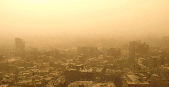 Σφοδρή αμμοθύελλα σάρωσε το Κάιρο και λιμάνια της χώρας