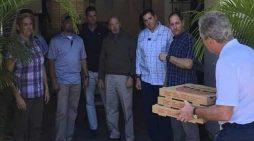 Πίτσα στους απλήρωτους σωματοφύλακές του πρόσφερε ο πρώην πρόεδρος Τζ. Μπους