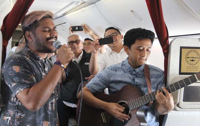 Πτήσεις με ζωντανή μουσική από την αεροπορική εταιρεία Garuda της Ινδονησίας
