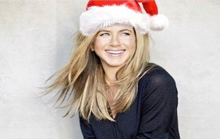 Οι χριστουγεννιάτικες διακοπές της Τζένιφερ Άνιστον
