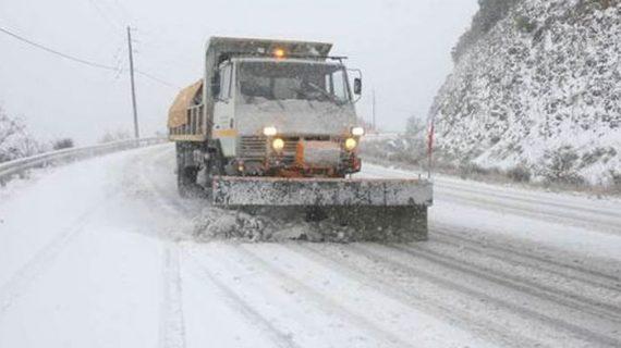 """Ελλάδα: Πολικές θερμοκρασίες και πολλά προβλήματα από τη χιονόπτωση έφερε η """"Σοφία"""""""