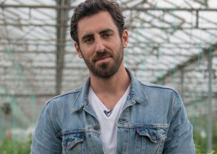 Πατέρας διάσημου σεφ ο νέος υπουργός Αμυνας, Ευάγγελος Αποστολάκης